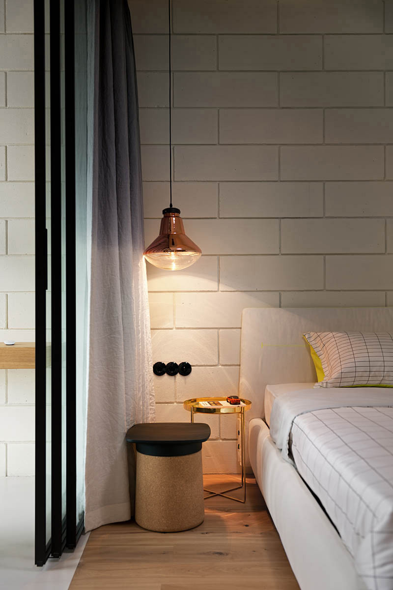 21 exles of bedrooms with bedside pendant lights 16638 | pendant lights bedroom 240216 10 800x1200