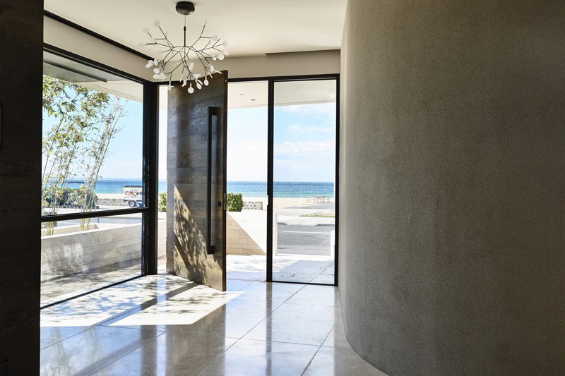 10 Examples Of Pivoting Doors