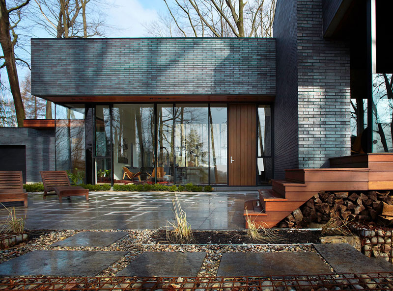 Fallsview Residence by Setless Architecture