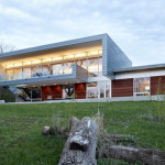 Anodized aluminum with wood accents cover this house in Illinois