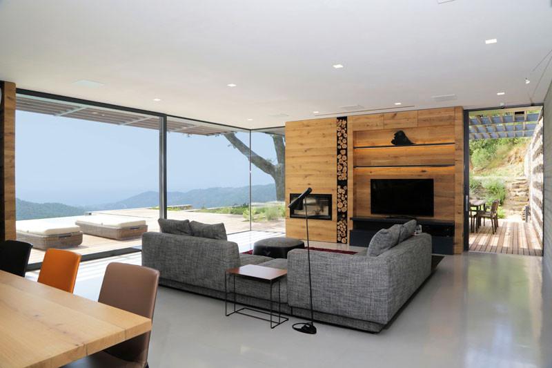 Villa N by Giordano Hadamik Architects