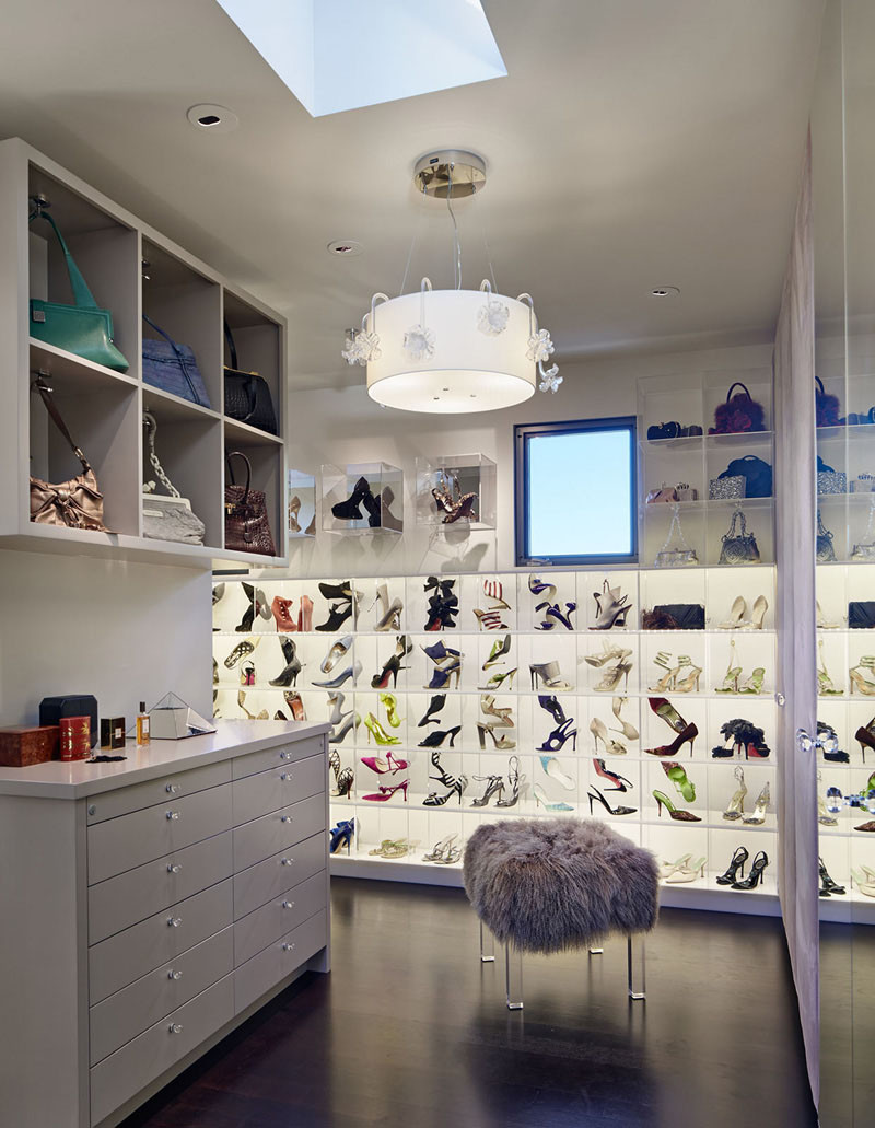 15 Fab Walk-In Closets To Inspire Your Next Closet Make-Over