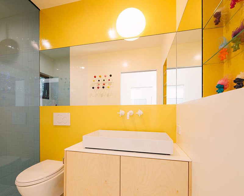 10 Inspirational Examples Of How To Include Yellow In Your Bathroom