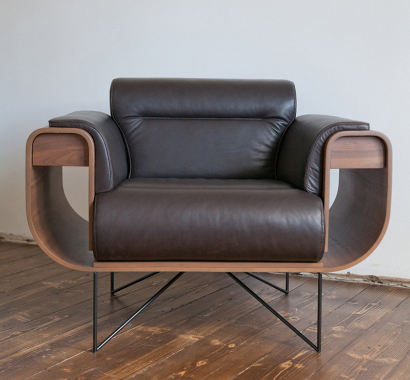 This Chair Is Designed For Cigar Aficionados