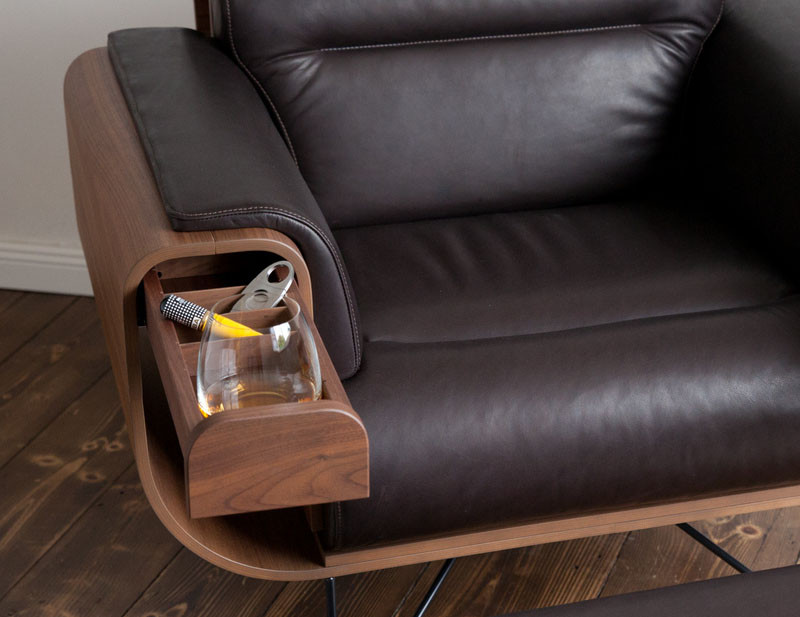 This Chair Is Designed For Cigar Aficionados