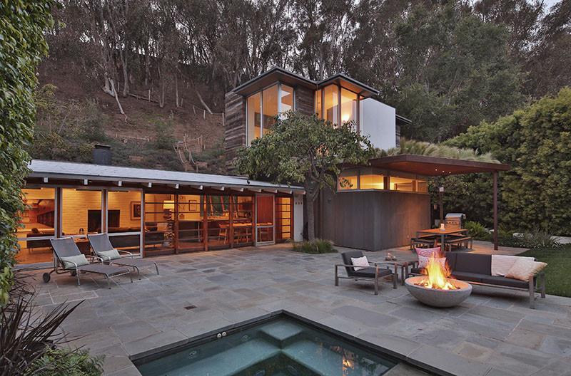 This Rustic Modern Home Lives In A California Canyon