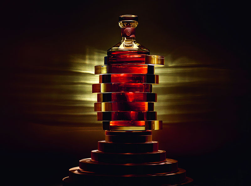 Arik Lévy has designed a Limited Edition bottle and case to celebrate 250 years of Hennessy