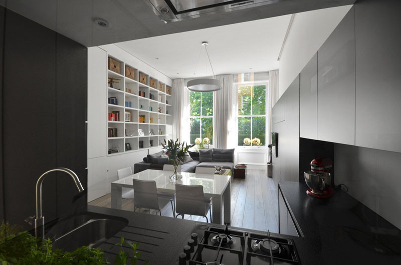 This apartment, located within a late XIX century Edwardian terrace building in London, has recently been renovated to create a home for a young family that wanted an space perfect for modern living.