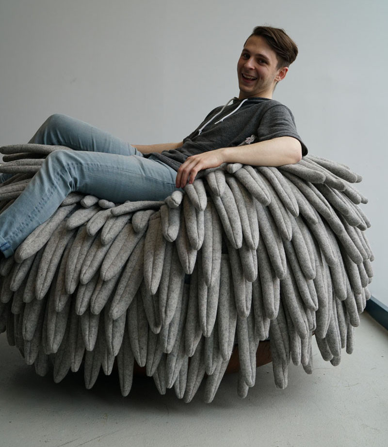 Drexel University student Carl Durkow, has just exhibited his chair design, named 'Narl', at ICFF 2016 in New York. The chair has an almost feather-like appearance, with a large curved base allowing for the chair to become a rocker.