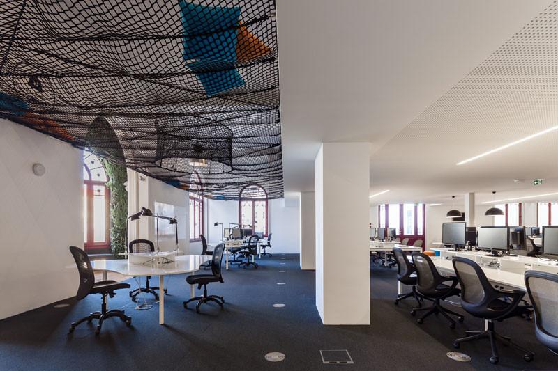 Uniplaces Headquarters by Paralelo Zero