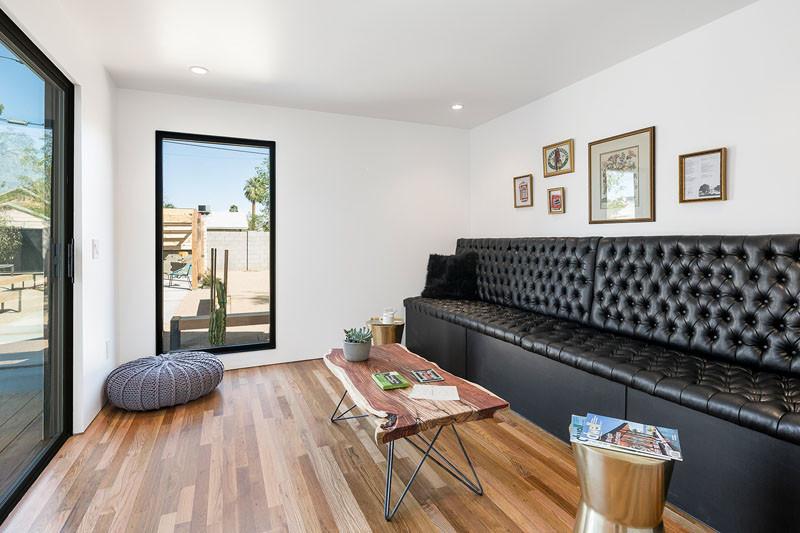 8th Street Residence Remodel in Phoenix, Arizona, designed by Knob Modern Design