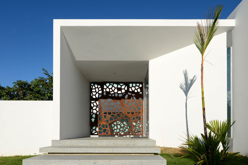 A Decorative Screen Covers The Front Of This Home