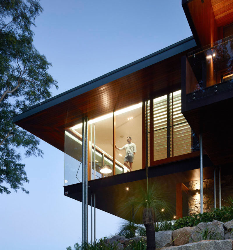 This contemporary home in Queensland, Australia, sits at the top of a 33,000 sqm (over 8 acres) bushland setting.