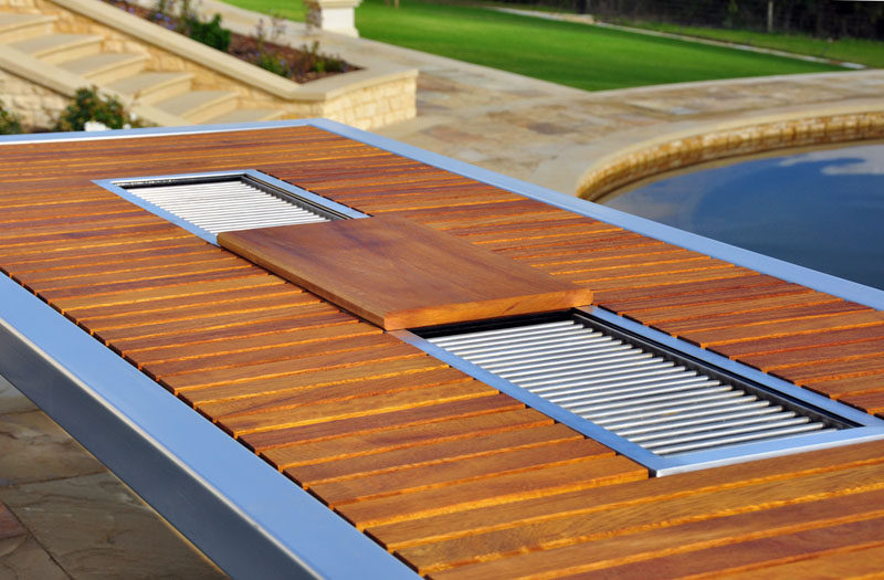 This Outdoor Table Grill Combination Makes Summer Bbqs An Entertaining Event