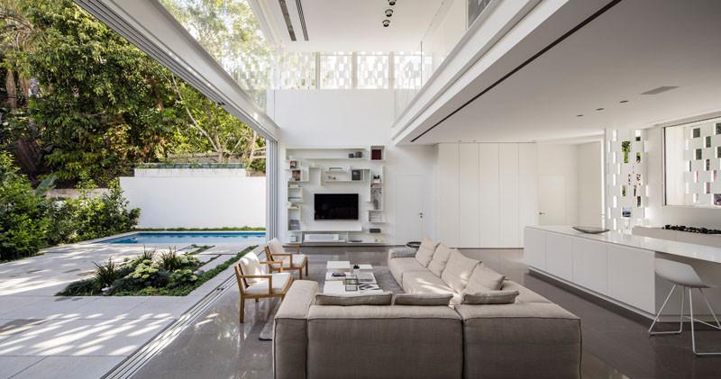 Indoor / Outdoor Living Is Perfected In This Home In Tel Aviv