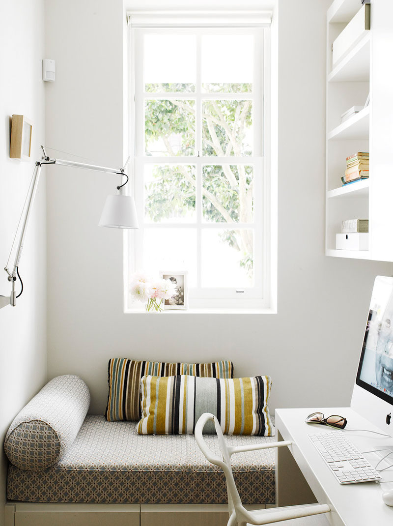 10 Reading Nooks Perfect For Curling Up In // This tiny reading corner is a great place to relax after finishing some work.