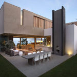 A Natural Palette Of Earth Tones Runs Through This Home Overlooking The Ocean