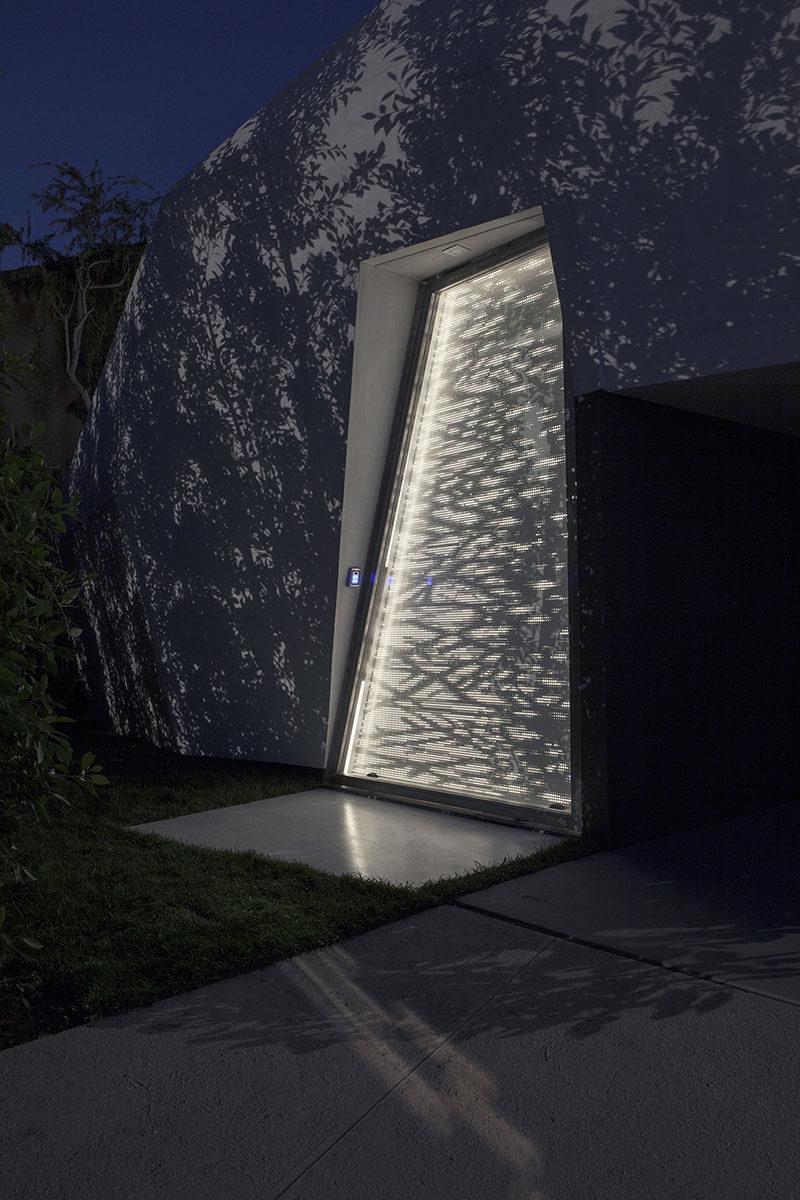 DOOR DESIGN IDEA - Get Creative With The Shape