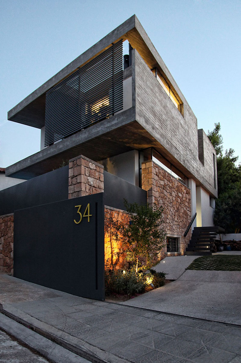 Modern exterior house numbers modern house for Modernized exteriors