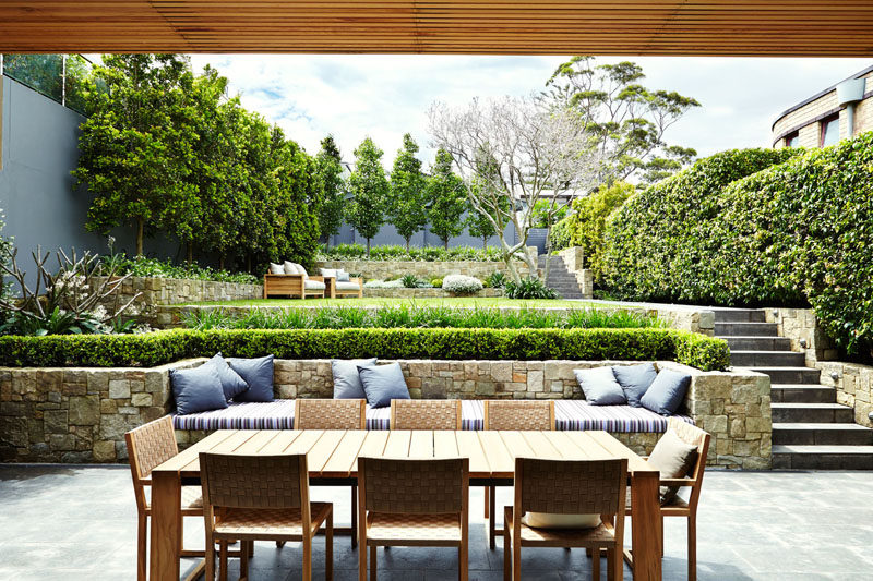 Delicieux 13 Multi Level Backyards To Get You Inspired For A Summer Backyard Makeover  //