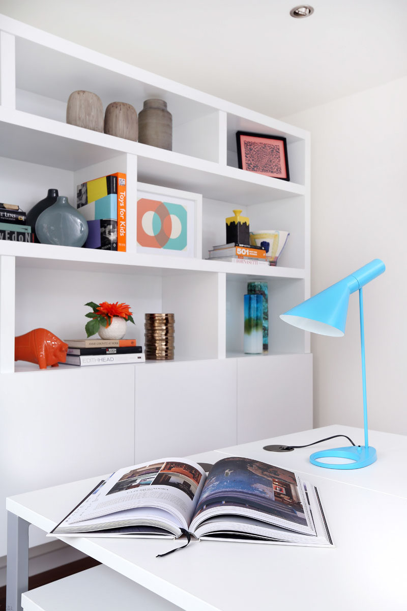9 Ideas for Creating a Stylish Bookshelf // Keep it odd --- Group similar objects in odd numbers rather than even ones for a more aesthetically pleasing look. Odd number of objects create dimension and depth, while even ones can look flat and unfinished. If you must have even groups, then think about using different heights.