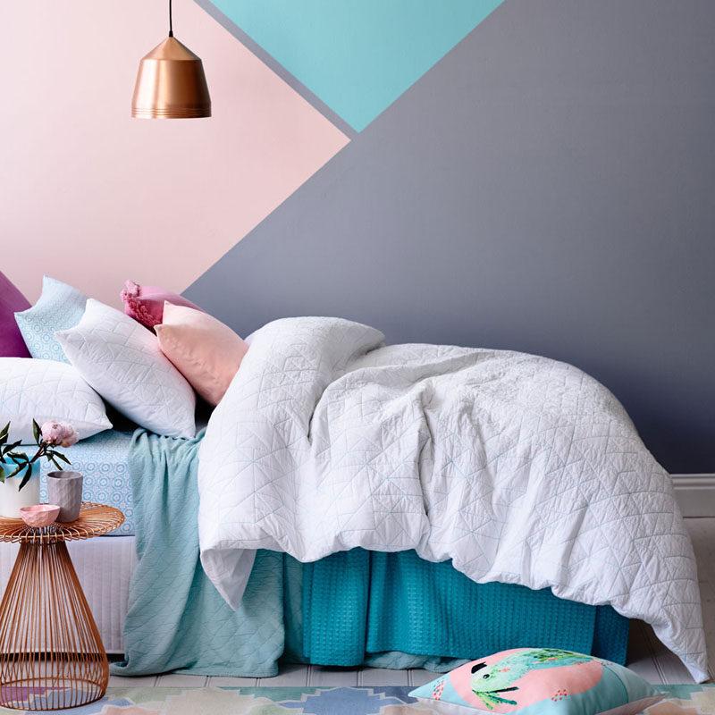 Wall Decor Idea ? Create a Modern Mural Using Painters Tape