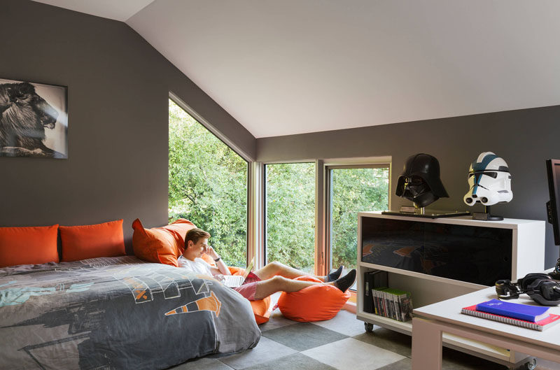 14 Inspirational Bedroom Ideas For Teenagers // Accents in a teens favourite color and decor reflective of their passions and interests are easy ways to personalize a space and help make it feel more their own.