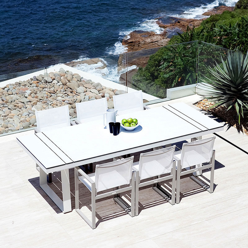 Throw An All White Party With These Ideas For Food And Decorations / White outdoor furniture lets you throw an outdoor all white party.