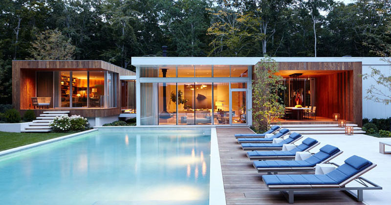 This House In New York Received A Wood and Glass Revival