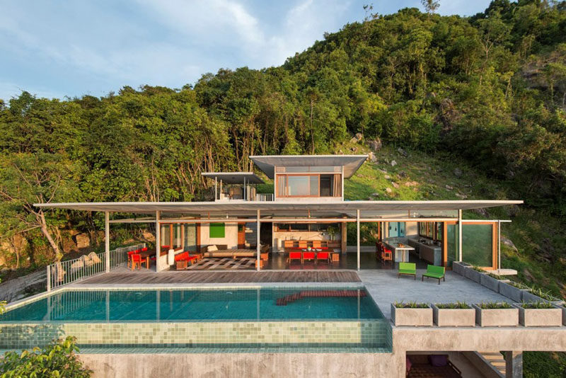 This home in Koh Samui, Thailand, opens up to the outdoors for true indoor/outdoor living.