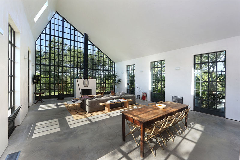 This Guest House In The Hamptons Has A Grid Of Double Height Windows