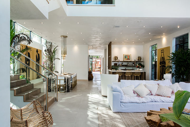 Taking a cue from luxury resorts and spas, Kim Gordon has designed a tropical infused home in Venice, California.