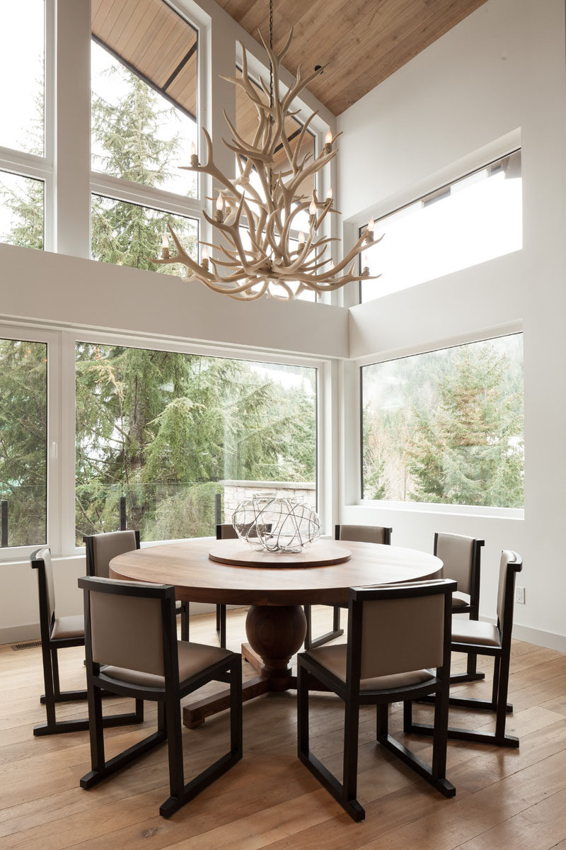 6 ideas for styling your dining room table with a