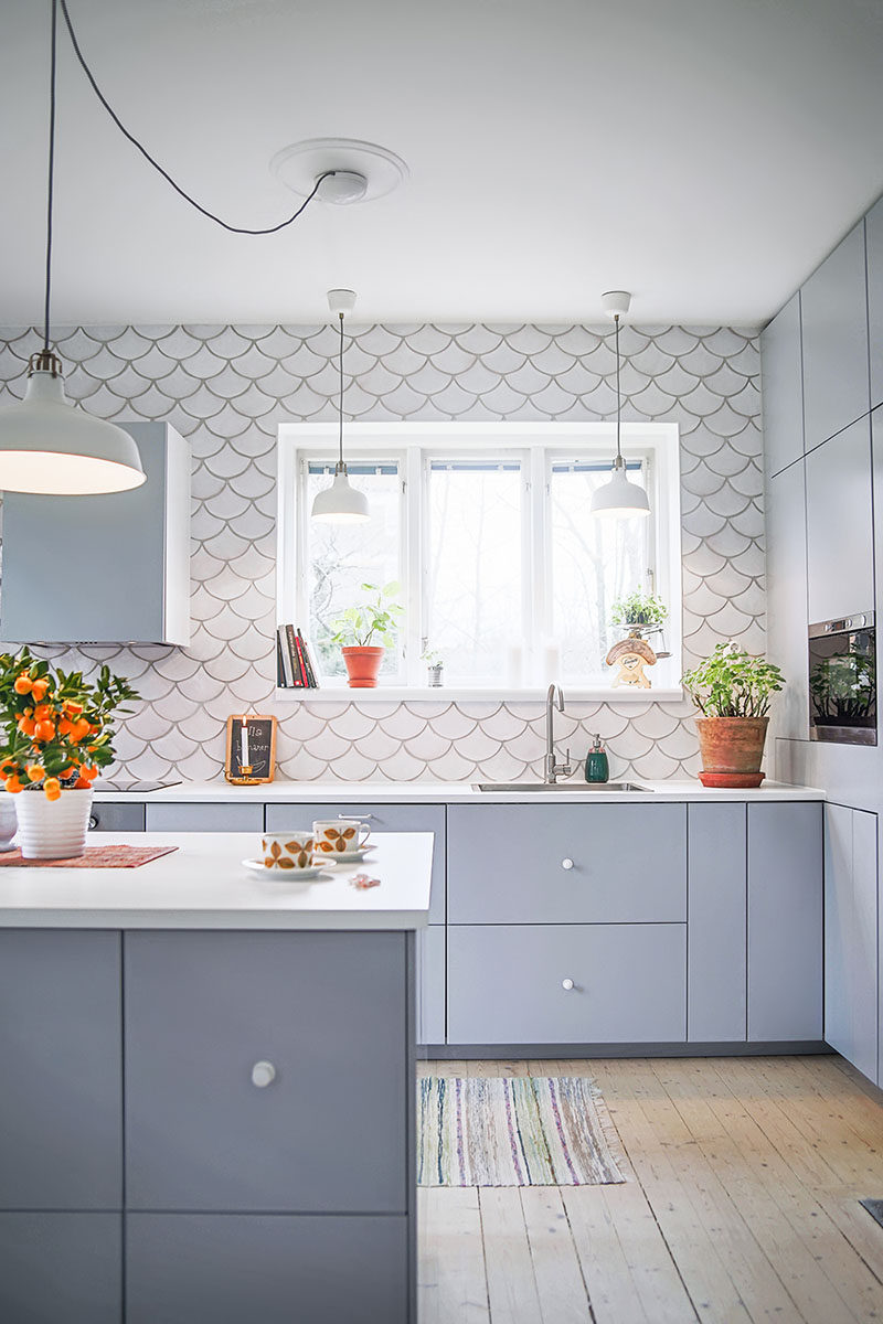 Wall tile idea 5 reasons why you should get creative for Fish scale backsplash