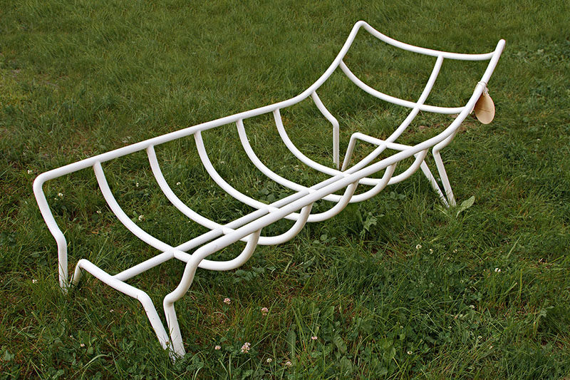 The Inchworm, a sun lounger designed by Alexandra Knyazevoy.