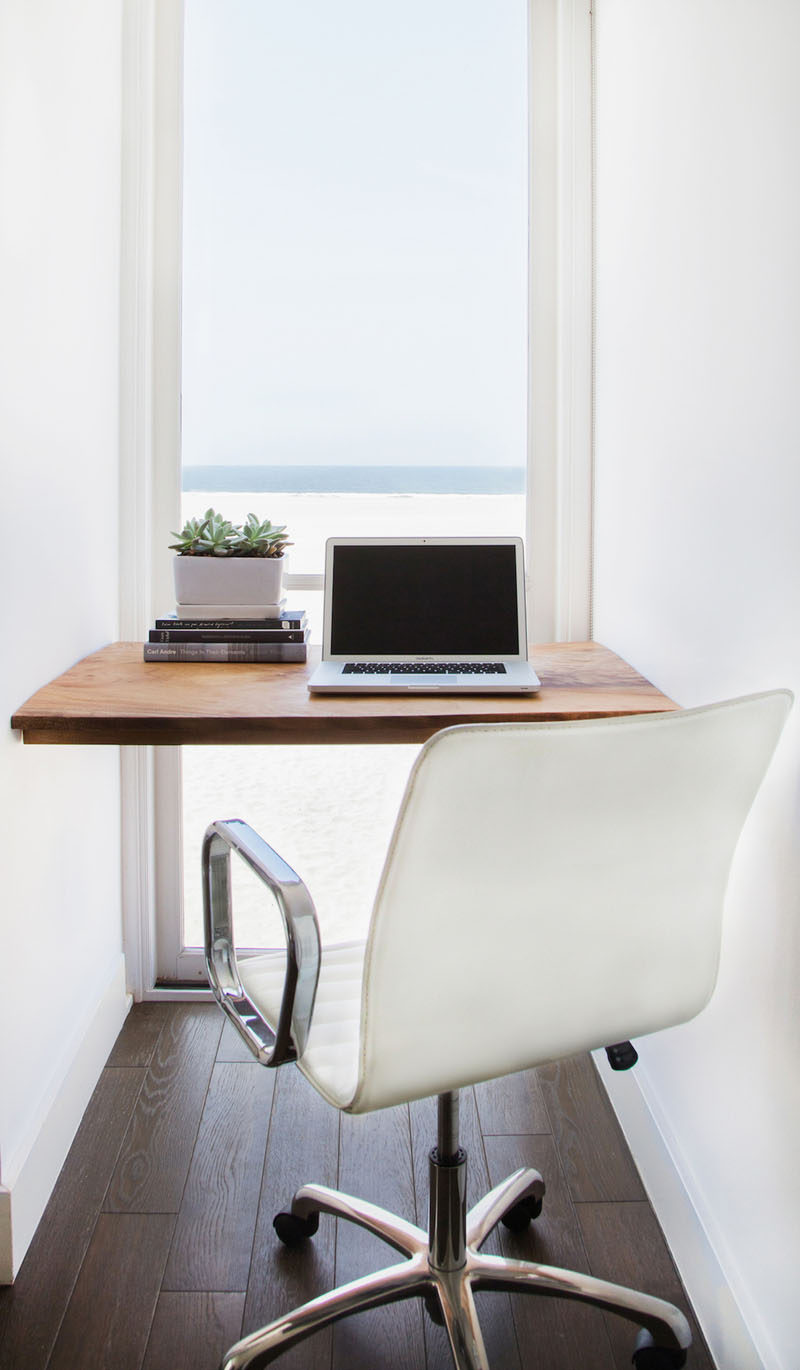 10 Small Home Office Ideas - An alcove with a view makes for the perfect spot to set up a home office. You'll get inspiring views and tons of natural light. #HomeOffice #SmallHomeOffice #SmallDesk #InteriorDesign