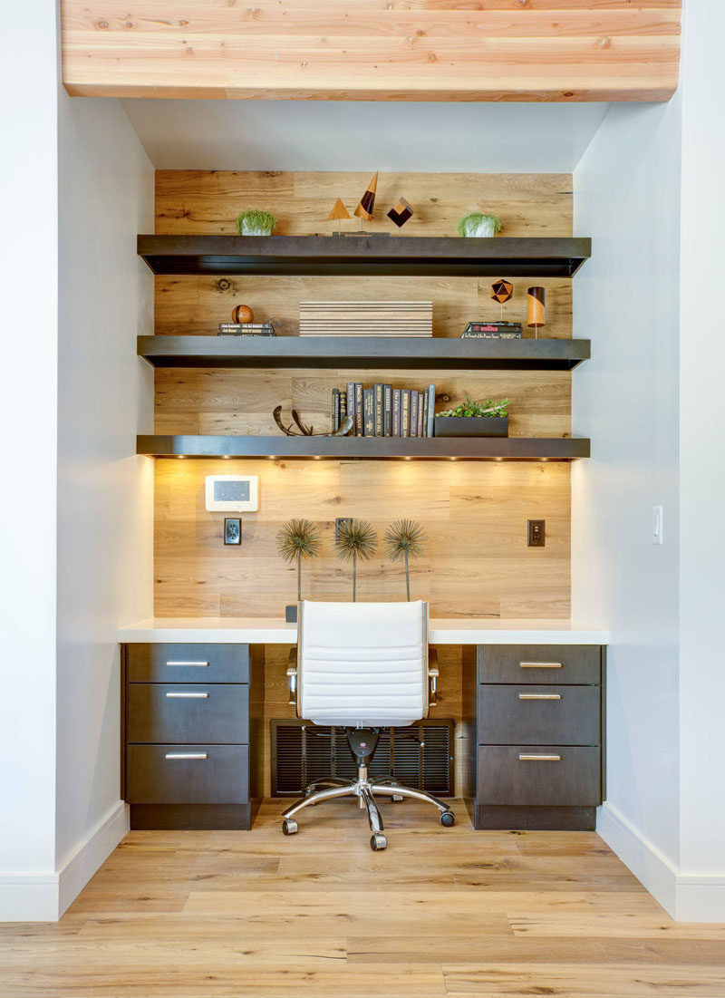 10 Small Home Office Ideas - Good lighting is essential in any office. Installing lights directly above your desk, like on a bottom shelf, will make sure you've always got enough light, even you don't have a window nearby. #HomeOffice #SmallHomeOffice #SmallDesk #InteriorDesign