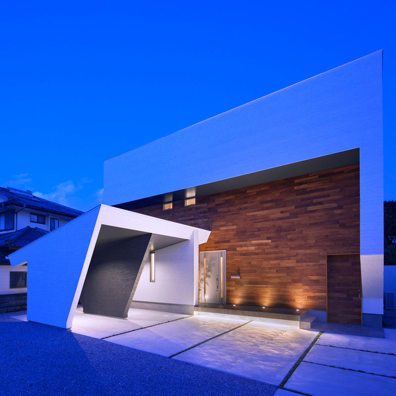 I3-house [ Modeling on the hill ] Residential House by Masahiko Sato.