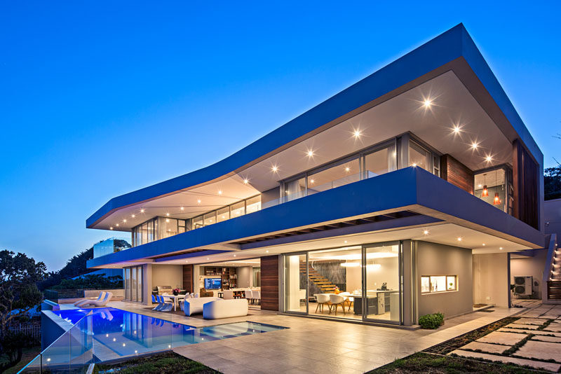 South African architecture firm Metropole Architects have recently completed a modern 3 bedroom home that has 180° panoramic sea views.