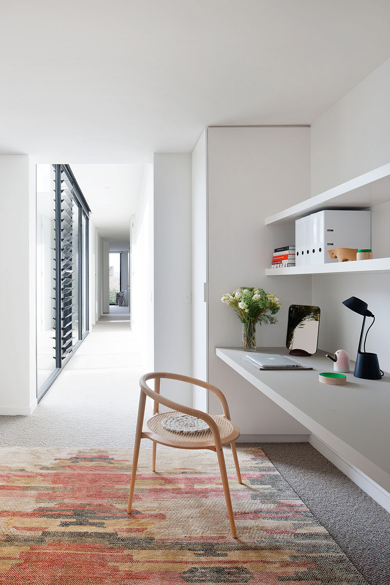 Interior Design Idea - 13 Examples Of Desks In Hallways | CONTEMPORIST