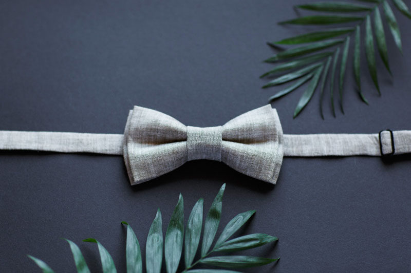 The Ultimate Gift Guide For The Modern Man (40+ Ideas!) // A Linen Bow Tie