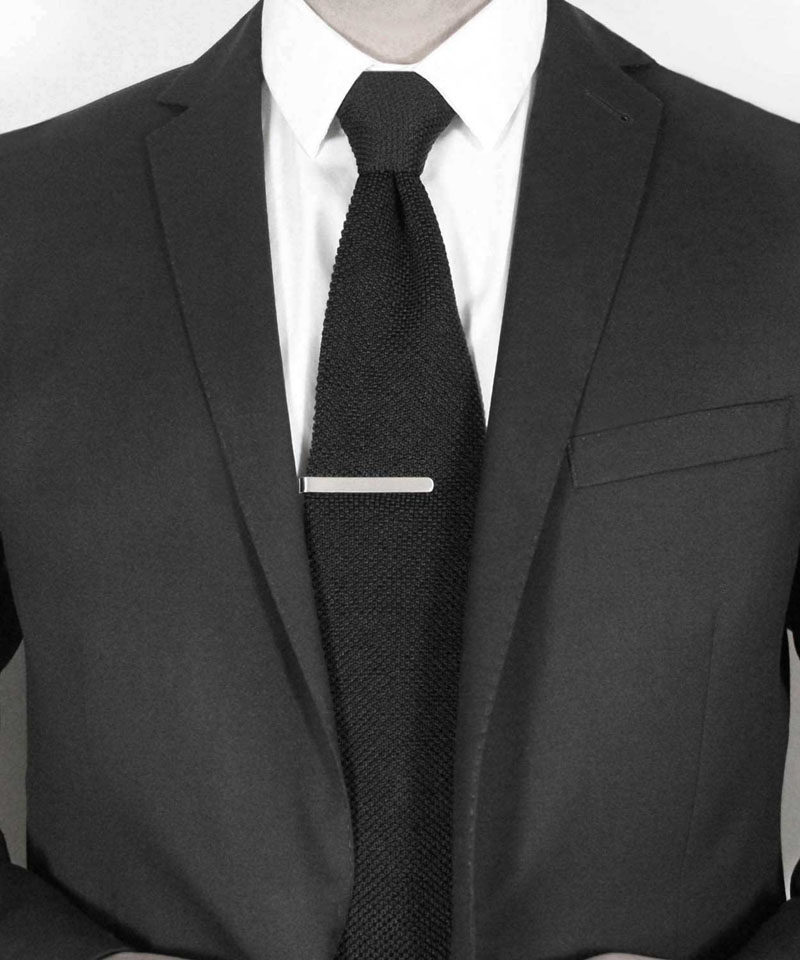 The Ultimate Gift Guide For The Modern Man (40+ Ideas!) // A Minimalist Silver Tie Clip