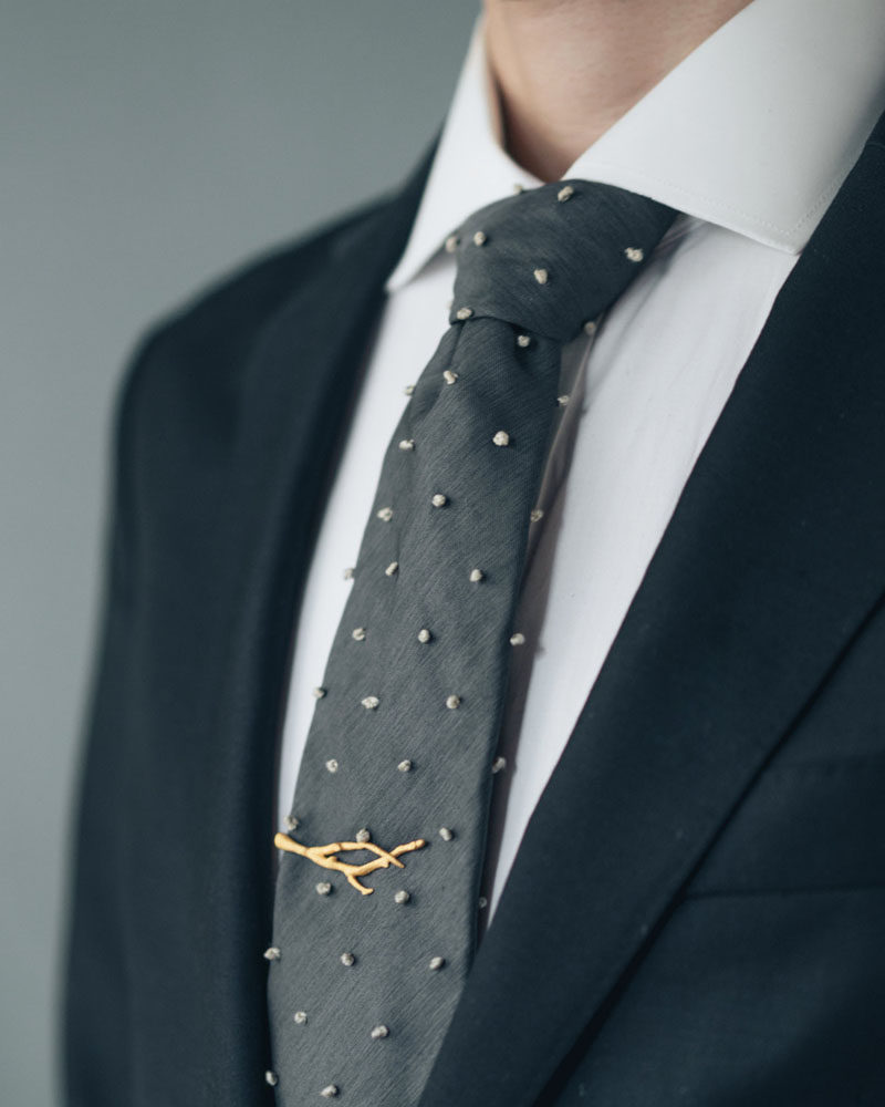 The Ultimate Gift Guide For The Modern Man (40+ Ideas!) // A Tie Clip Inspired By Nature