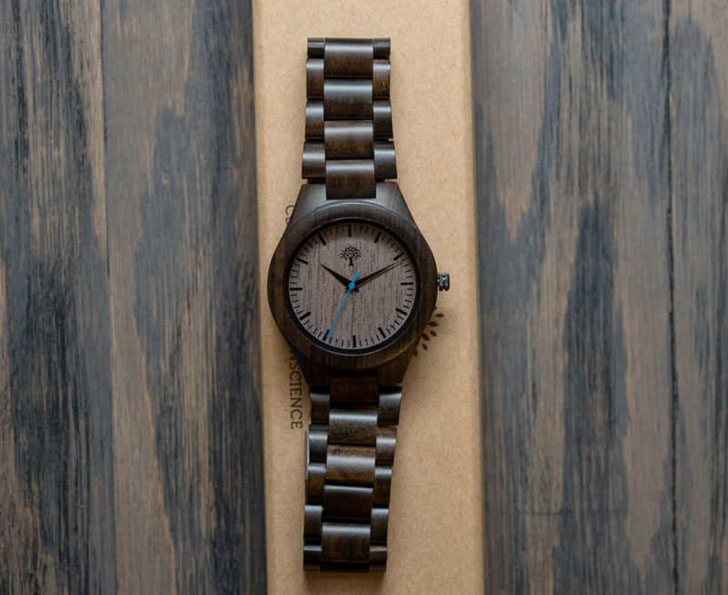 The Ultimate Gift Guide For The Modern Man (40+ Ideas!) // A Wooden Watch