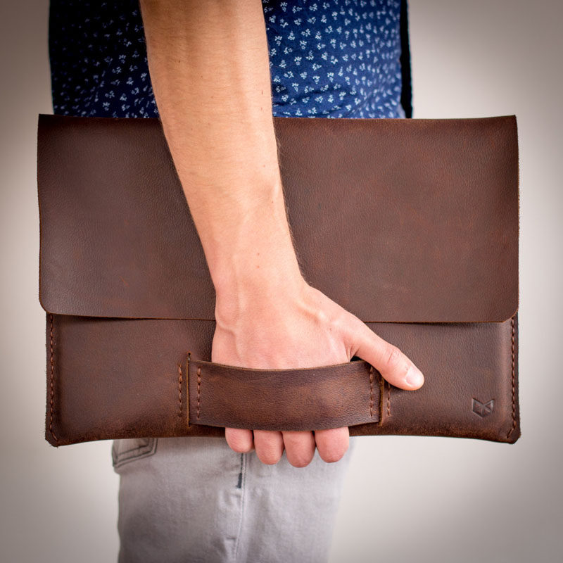 The Ultimate Gift Guide For The Modern Man (40+ Ideas!) // A Leather Laptop Sleeve
