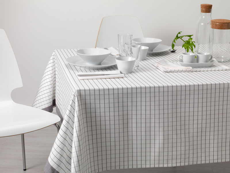 5 Essentials You Need When Hosting An Awesome Modern Tea Party // Keep your table linens simple and classy.