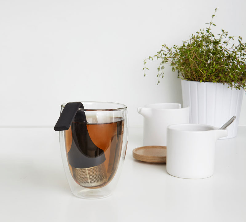 5 Essentials You Need When Hosting An Awesome Modern Tea Party // Cater for different peoples tea preferences by having a modern tea steeper on hand.