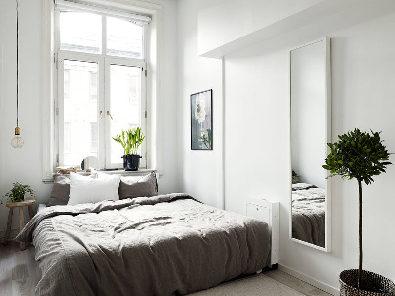 4 Essentials You Need To Create A Scandinavian Bedroom // Decor -- Scandinavian decor is usually made of pieces that are both functional and nice to look at. Every piece is carefully selected to make sure that it serves more than just the function of looking nice.