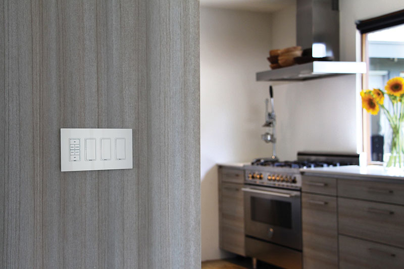 Interior Design Idea ? Simplify Your Home with Screwless Outlet and Switch Plate Covers