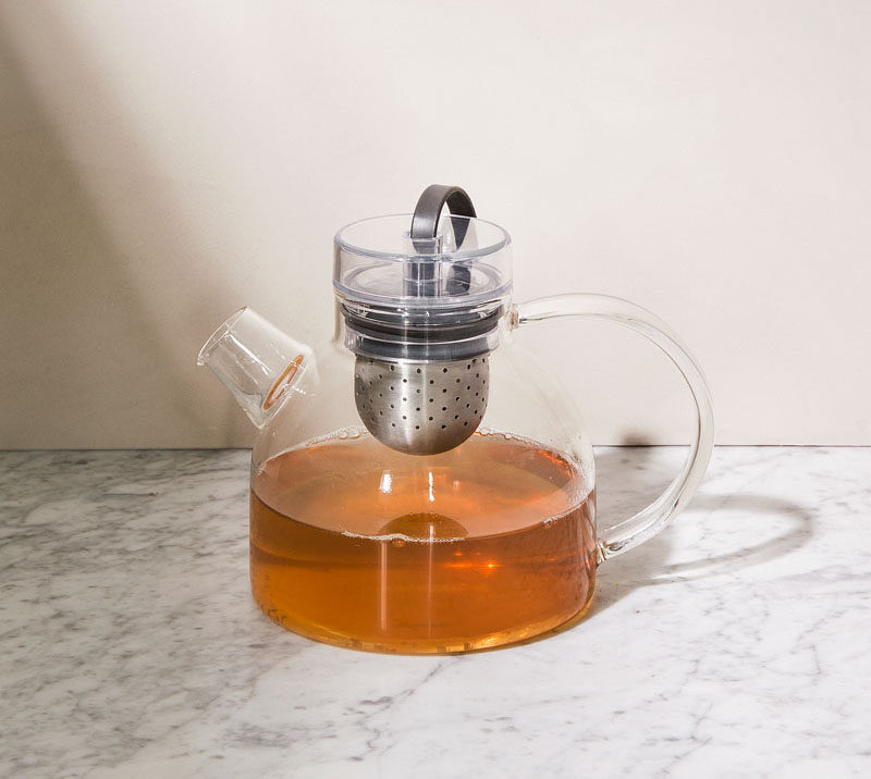Gift Ideas For Tea Drinkers // Use a glass tea pot to decide when your tea is strong enough based on the color of the water.